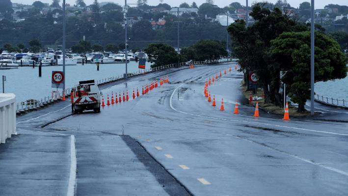 Storm arrives in Auckland bringing with it heavy rain and