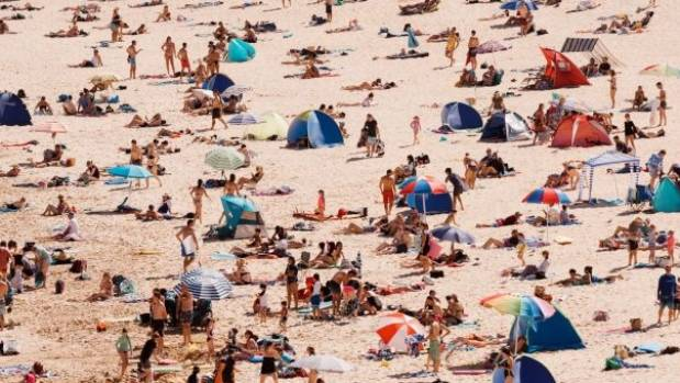 Australia sizzles as east coast temperatures hit up to 45C