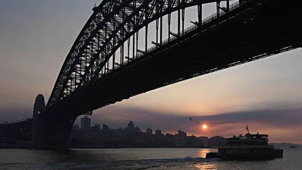Sydney swelters with near-record high temperature