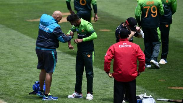 Pakistan bowling first in Wellington