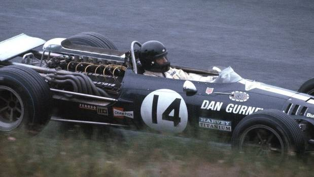 Dan Gurney, auto racing pioneer, dies at 86