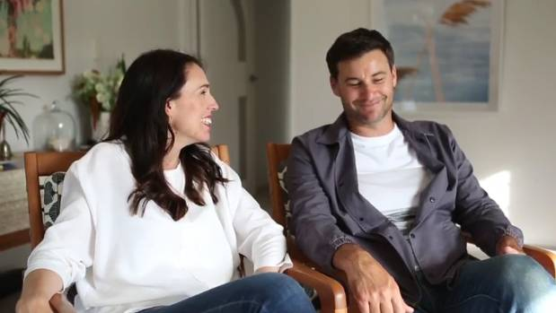 Prime Minister Jacinda Ardern and partner Clarke Gayford talk about the first few weeks of pregnancy.