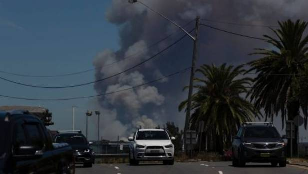 Australia bushfires: 1000 flee Royal National Park in Sydney