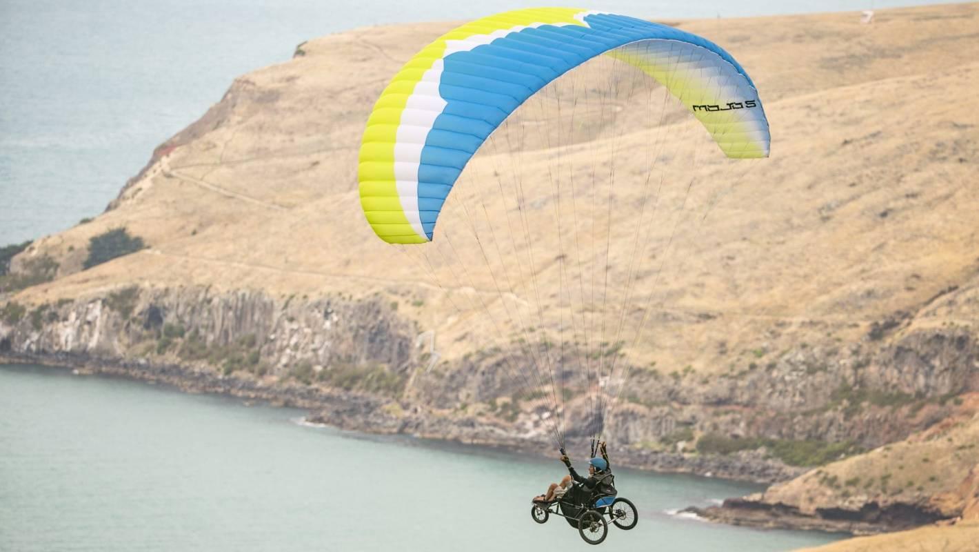 Tetraplegic paraglider Jezza Williams marks first solo coastal flight in Christchurch