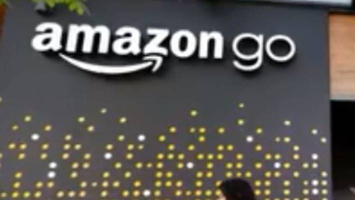 Amazon opens first Go store that accepts cash