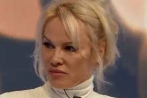 Actress and activist Pamela Anderson spoke to the BBC about her relationship with WikiLeaks founder Julian Assange.