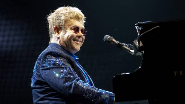 Elton John Tells Handsy Fan in Vegas to