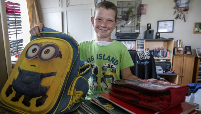 Schoolchildren Are Being Injured By Heavy Backpacks Here S How To