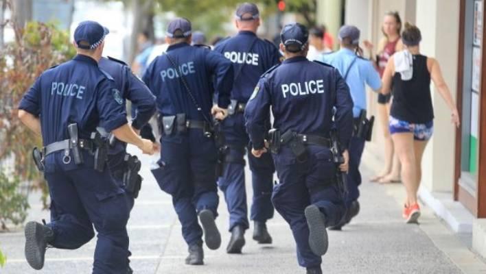 Бегство от полицейских предрекает хозяину сна тревожные события и мелкие, бытовые происшествия.