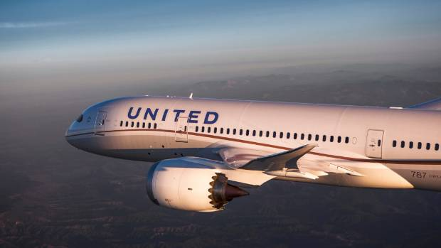 Fuel issues prompt United 787 Mayday