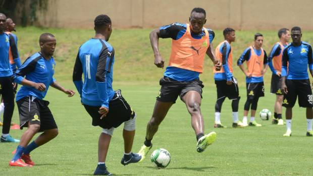 Sprint superstar Usain Bolt joins in at Jeremy Brockie's football practice