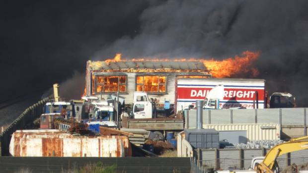 Firefighters battle major fire in Dunedin