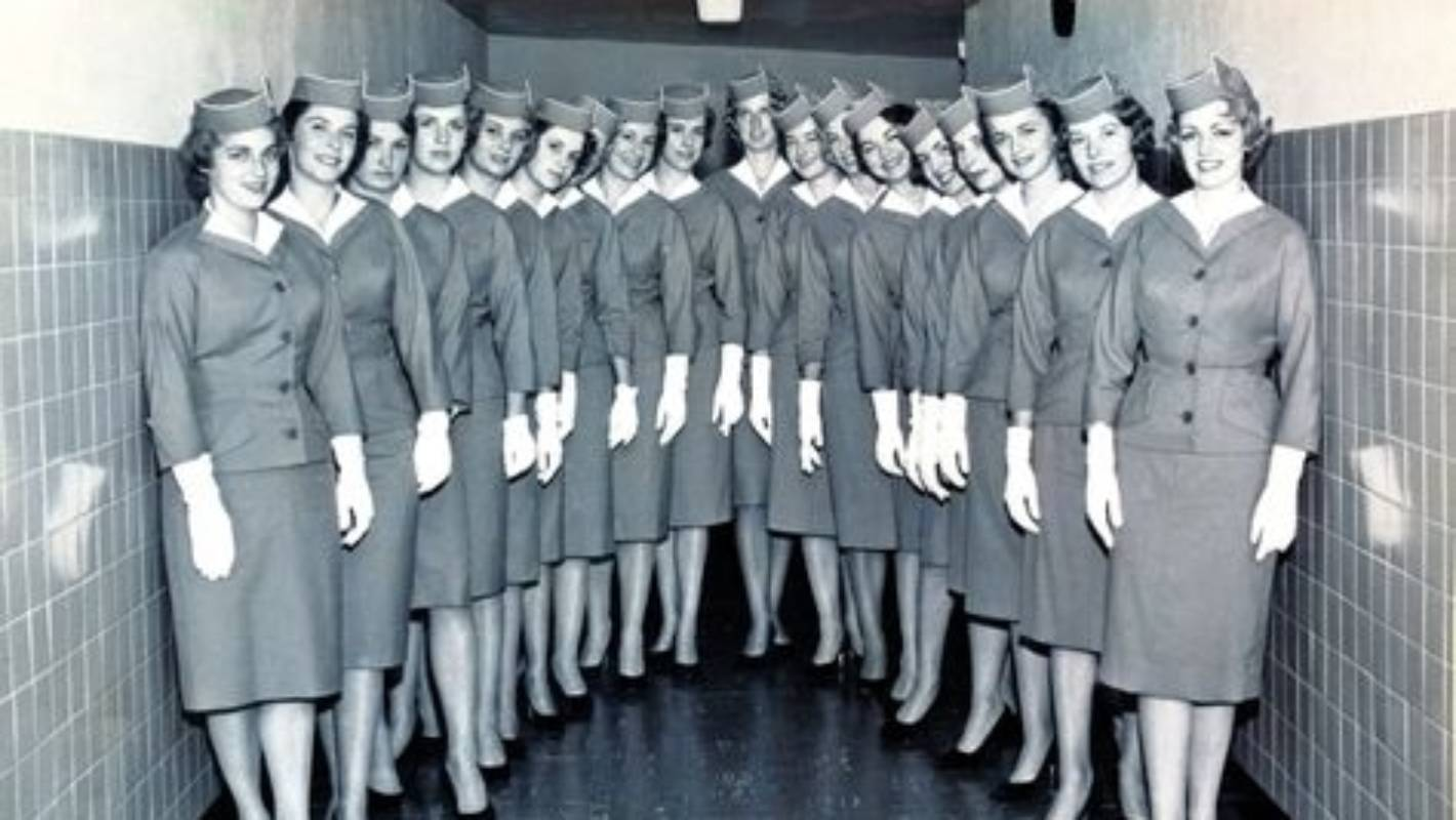1fda1f20c Pilot and flight attendant uniforms  The meaning behind the outfit ...