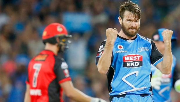Strikers pip Renegades in BBL thriller