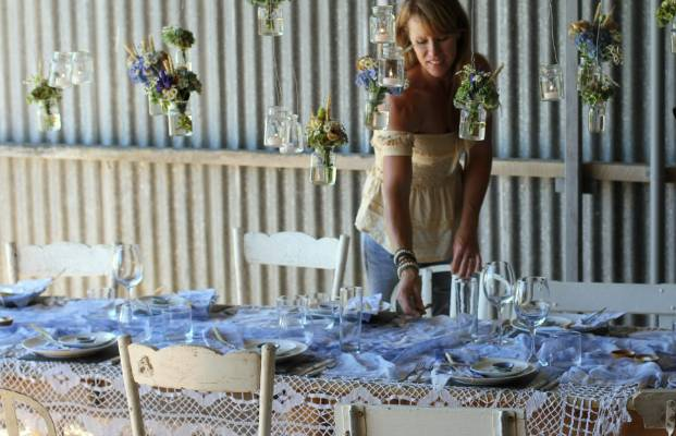 How To Avoid Disasters At Your Outdoor Wedding: How To Avoid A Backyard Wedding Disaster
