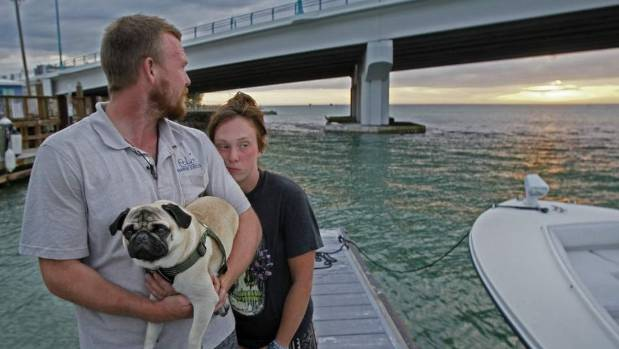 Florida: Couple Raises More Than $10000 After Their Boat Sinks