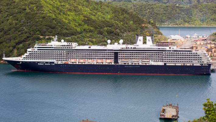 Cruise ship passengers upset at New Zealand tour 'rip-offs' | Stuff