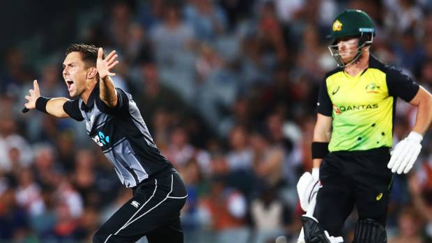 Trent Boult unsuccessfully appeals early in Australia's innings