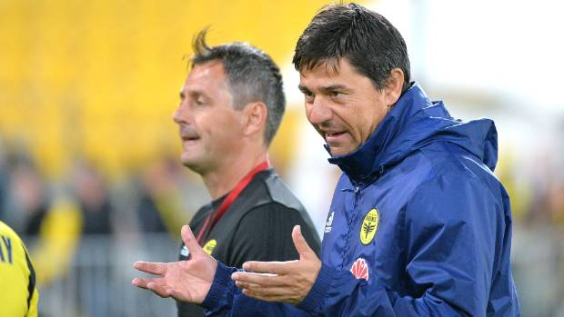 Wellington Phoenix coach Darije Kalezic seemingly immune to pressure