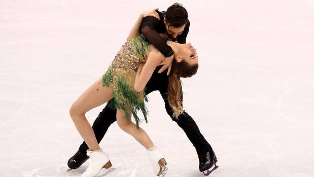 French couple Gabriella Papadakis and Guillaume Cizeron lost a few points after battling with a wardrobe malfunciton