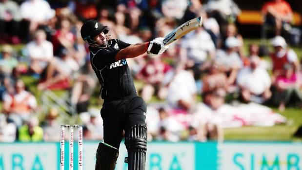 Injured Ross Taylor leads New Zealand to victory over England