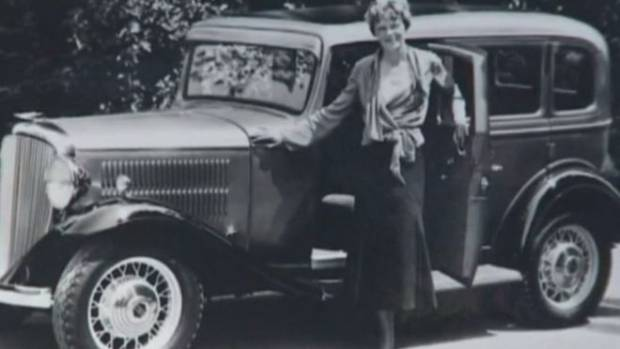 Amelia Earhart's stolen auto found in LA neighborhood