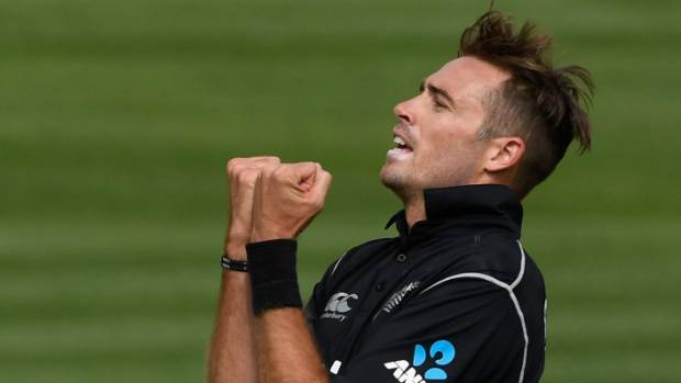 New Zealand beats England by 5 wickets in 4th ODI