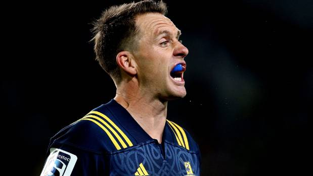 Highlanders co-captain Ben Smith walks fine line by challenging ref in southern derby