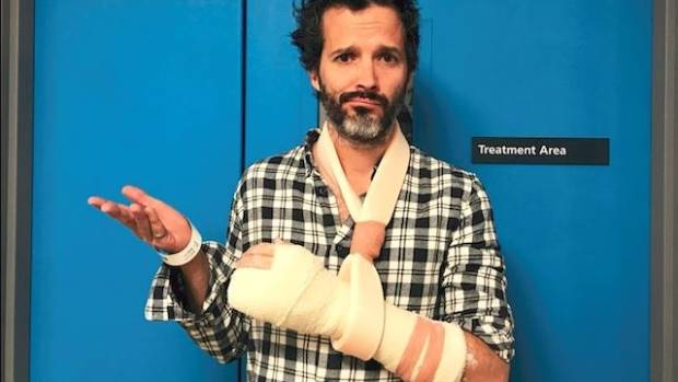 Flight of the Conchords cancel UK shows after injury