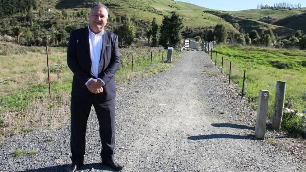 Shane Jones, Air New Zealand trade barbs over regional flight decline