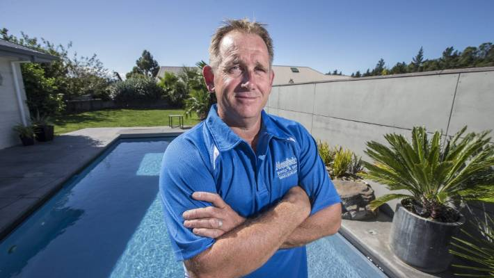 Pool builder Mike Freeth has called on the Marlborough District Council to appeal the ministry's decision to ban pool covers as safety barriers.