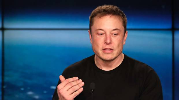 Elon Musk Removes Tesla And SpaceX Facebook Pages