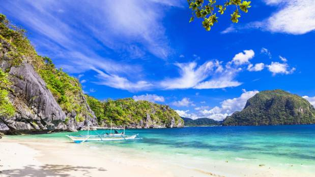 Philippines shuts top tourists spot for 'next generation'