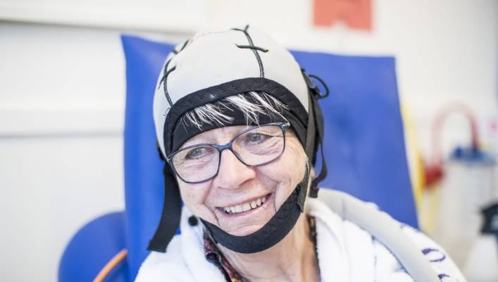 Scalp cooling treatment allows chemo patients to keep their hair