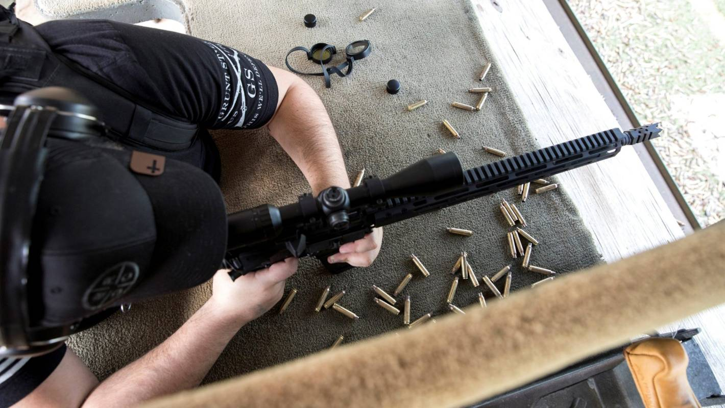 Chipman said that he believes AR-15s have been so frequently used in mass shootings for two reasons: popularity and lethality foto