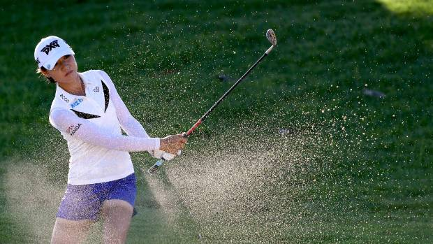 Shanshan Feng takes early LPGA Tour lead in Hawaii