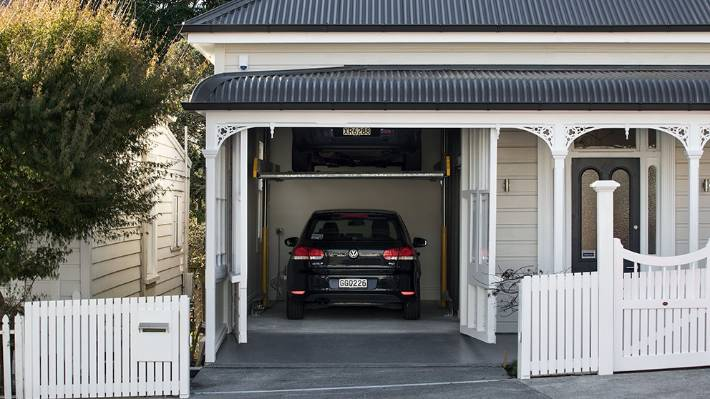 Ponsonby villa with invisible garage has come onto the for Garage market cars montpellier