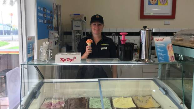 Storm causes icecream bonanza – with freebies all round