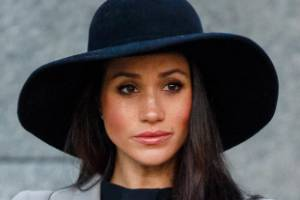 Meghan Markle appeared emotional during the Anzac Day ceremony in London.