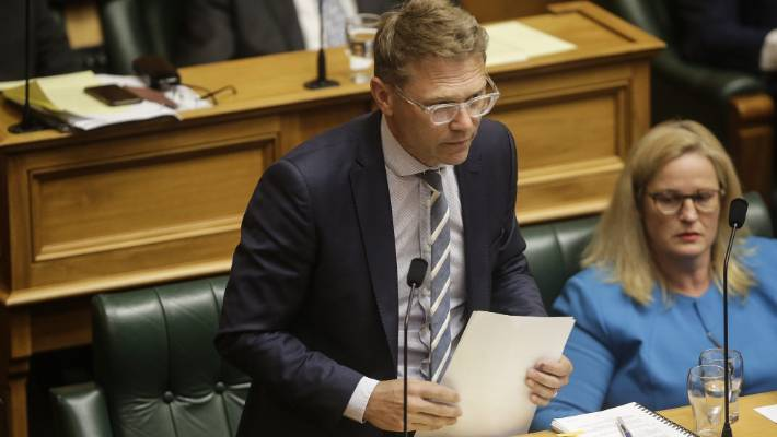National Development Area spokesman Paul Goldsmith said the Air New Zealand government's shareholding should make a pause.