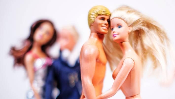 poly Dating NZ se fiancés après la datation 6 mois