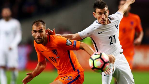 Dutch striker Bas Dost hurt in attack on Sporting Lisbon training ground