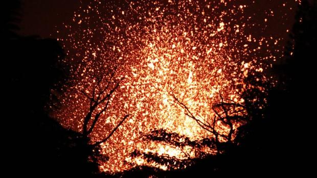 Lava from Hawaii's erupting Kilauea shatters leg