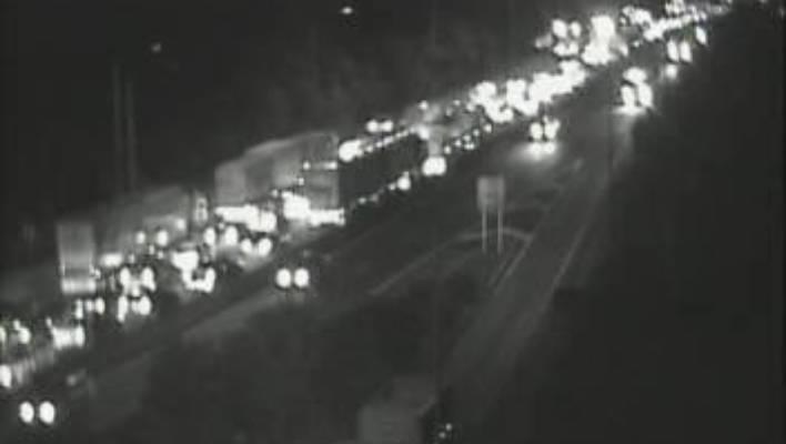Slow trip up to Auckland as crash blocks lane on Bombay