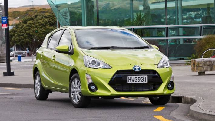 The Est Hybrid Vehicle Available New In Nz Toyota Prius C