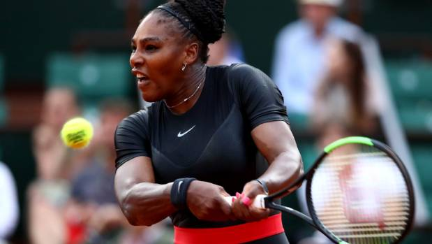 Serena Williams withdraws from French Open before match against Sharapova
