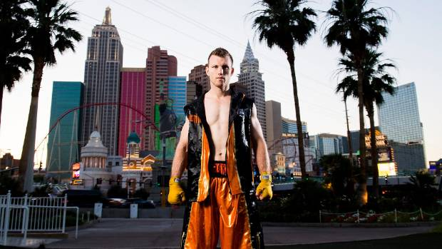 Horn travels from Australia to defend title against Crawford