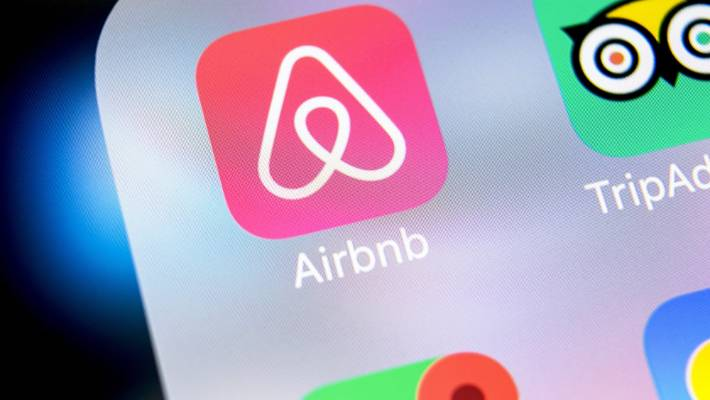 Naked Couple Kicked Out Of Airbnb Your Rights When Airbnb