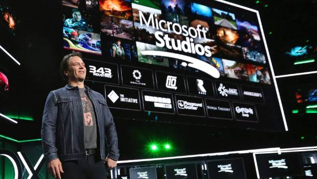 Microsoft's executive president of gaming Phil Spencer says a gaming service accessible from any device is on the cards