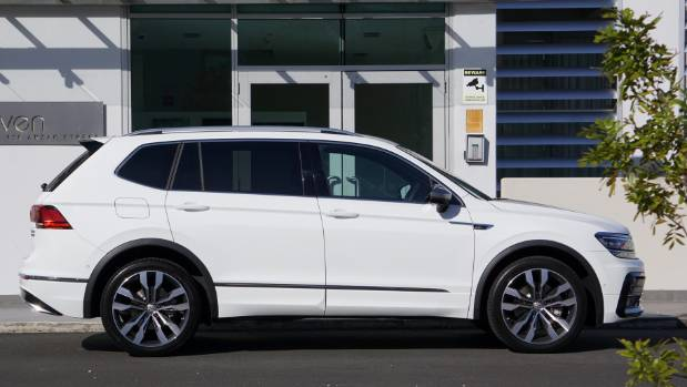 how volkswagen has made the tiguan allspace the torque of the town. Black Bedroom Furniture Sets. Home Design Ideas